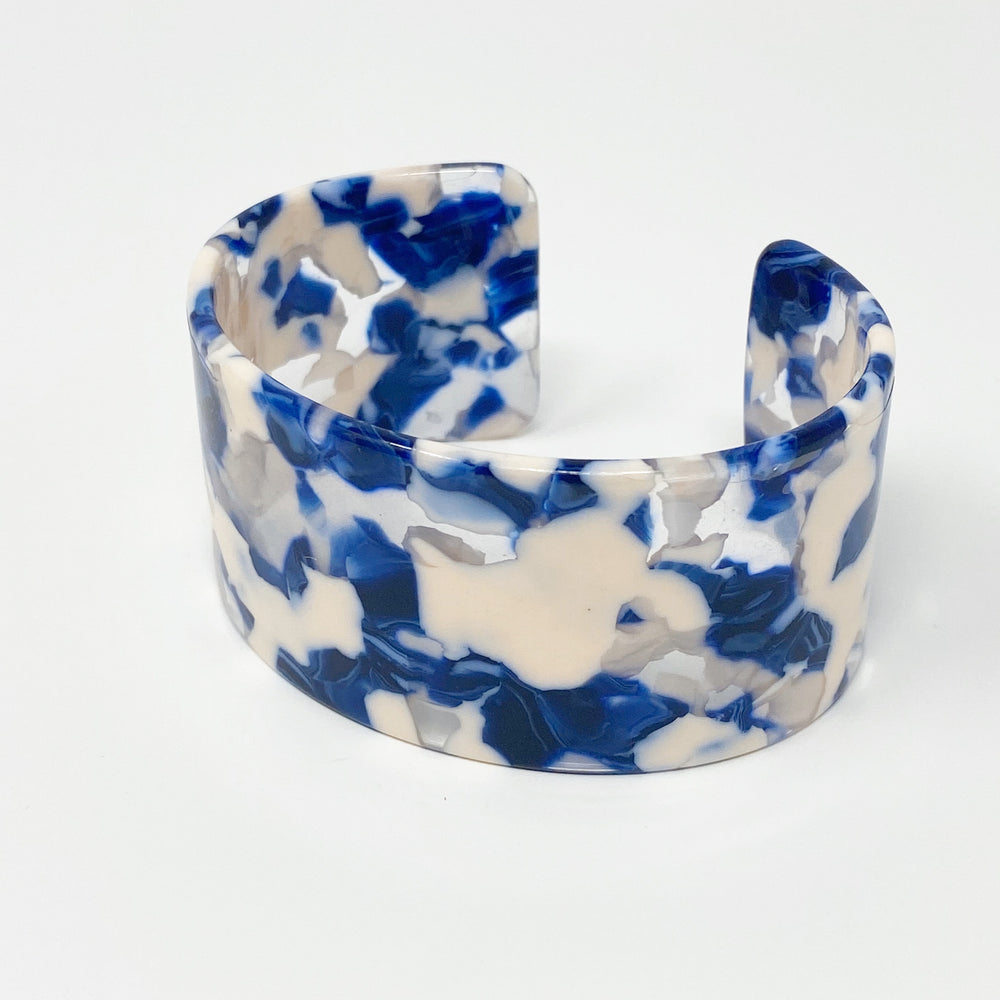 Large Cuff in Blue and White