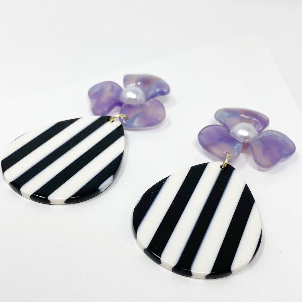 Pearl Water Poppy in Purple with Black and White Stripe Teardrop