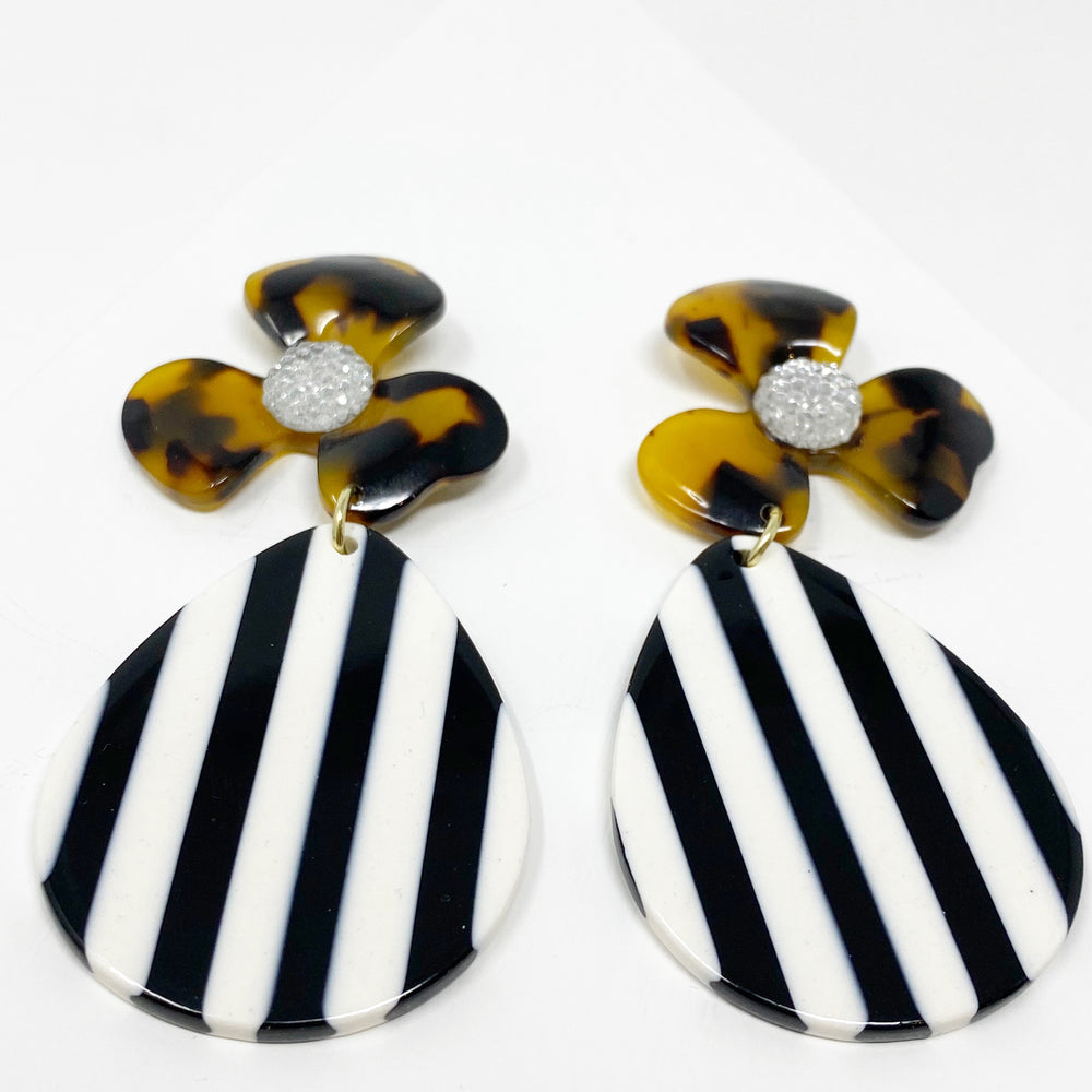 Crystal Water Poppy in Tortoise with Black and White Stripe Teardrop
