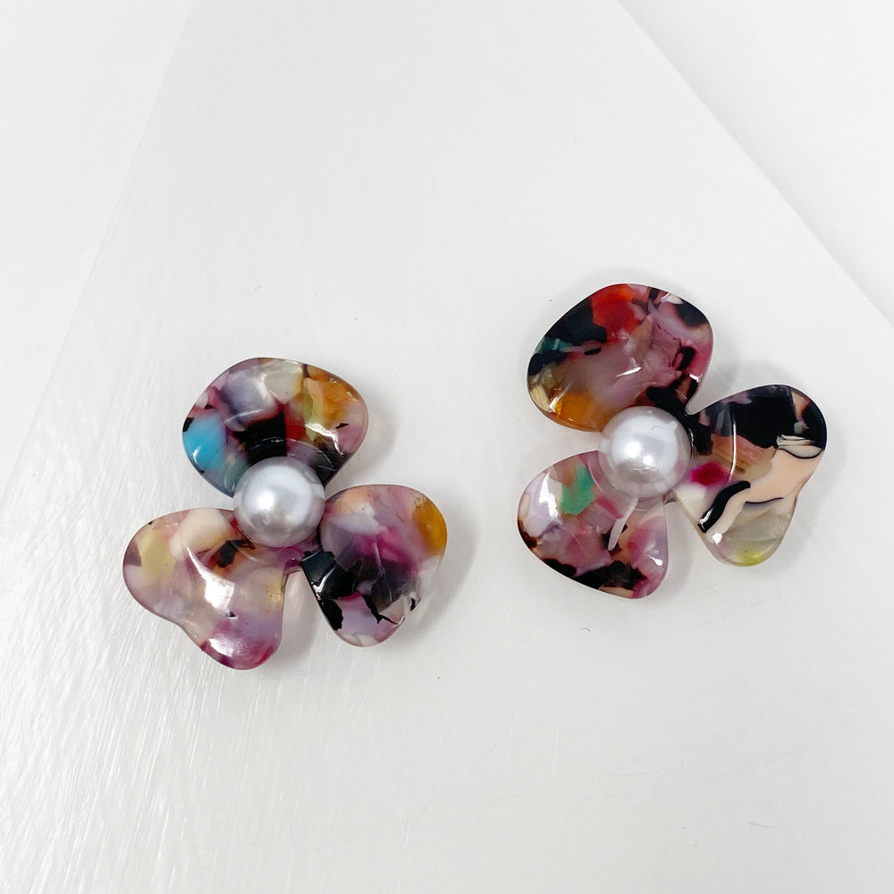 Pearl Water Poppy Studs in Multicolor