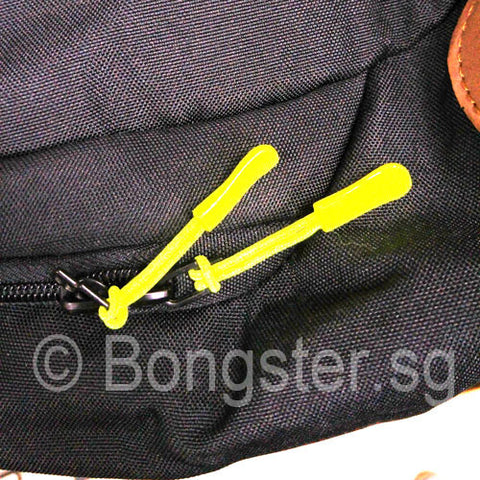 zipper pulls on bag