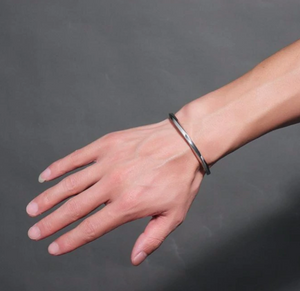 Minimalist Sleek Twisted Cuff