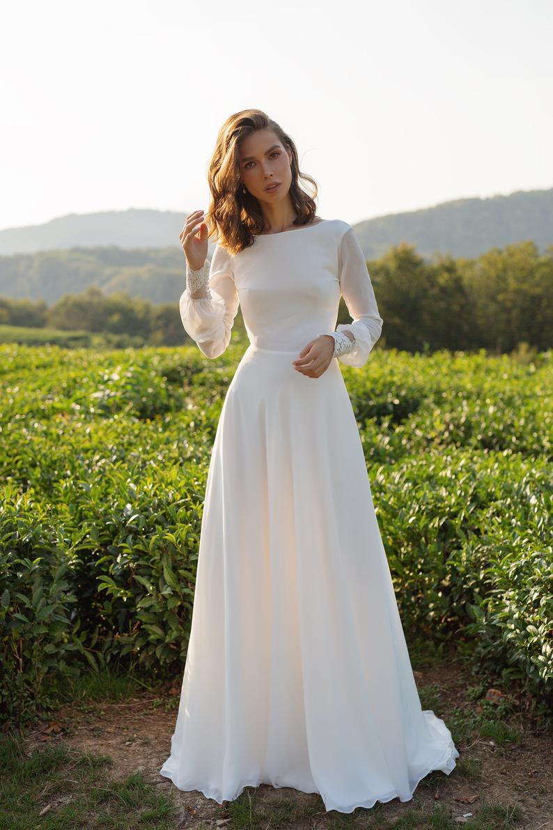 Long Sleeves Wedding Dress 2021 Ivory Chiffon Maxi Dress with Lace Cuff & Back