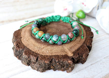 Load image into Gallery viewer, green gemstone bracelet