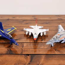 Load image into Gallery viewer, Wind-Up Toy Planes