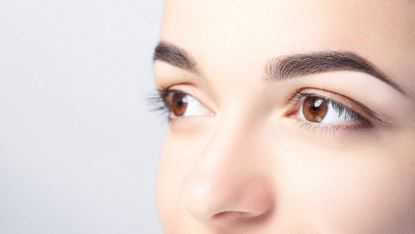 Classically groomed eyebrows