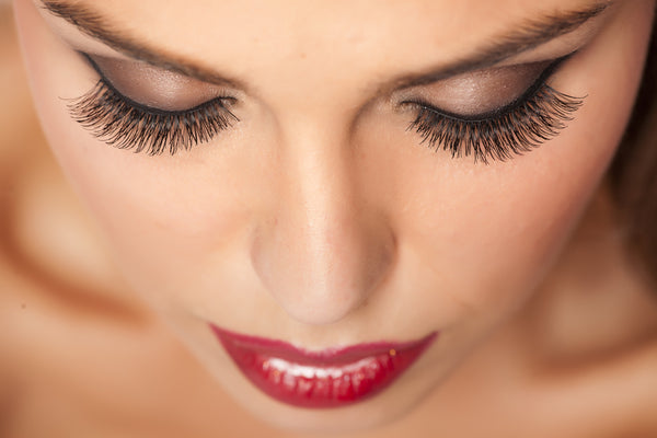 Lash extensions with mascara