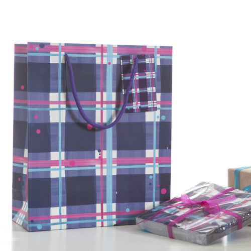 Blaeberry Tartan Medium Gift Bag (SIGB02TAR)