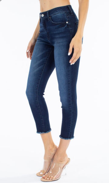 KanCan Dark Wash Capri
