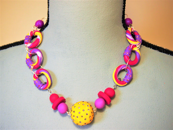 Poly Chain necklace in Mauve and Fuchia by Ellar Roos