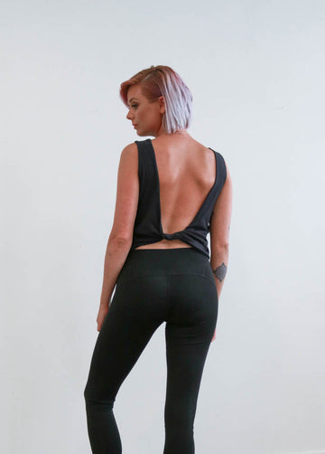 The Twist Back Top in Black
