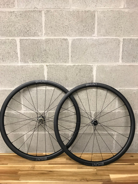 Overview picture of a set of Hunt 34 aero wide wheels