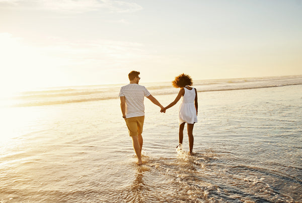 couple on in-person beach date