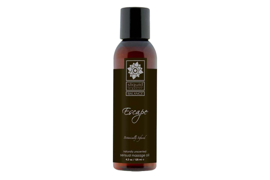 All the luxury of an elegant massage oil, with none of the scent. If you are looking for a pure sensual experience, you can count on Escape to take you there. Certified Organics Extracts. Vegan.