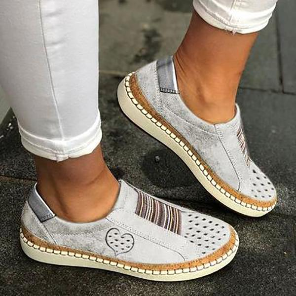Casual Flat Heart Printed Sneakers