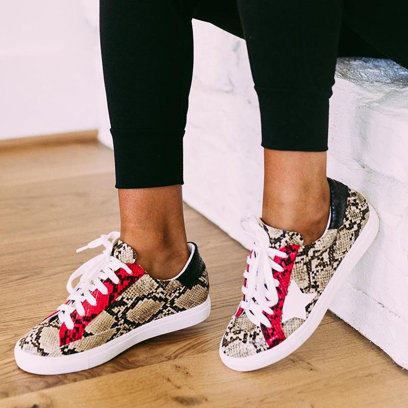 Daily Lace-up Multi Snake Sneaker