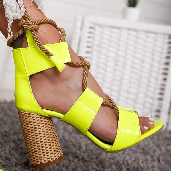 Fashion Thick Heel Sandals