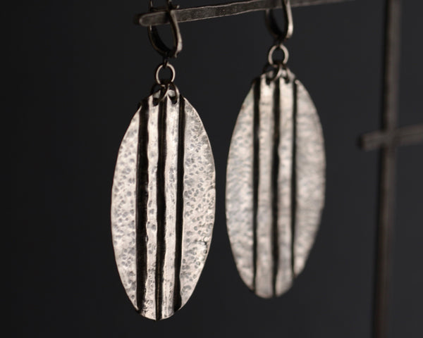 Cassandra Earring (Long, Oval)