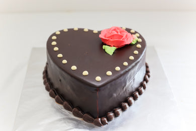 Strawberry Valentine Cake - Divine Cakes
