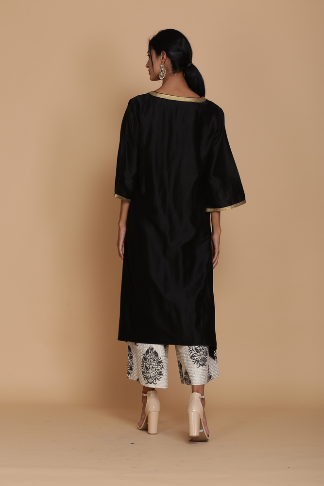 BLACK T DROP STYLE TUNIC WITH PRINTED FARSHI