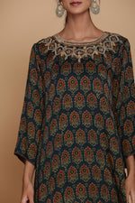 GREEN AJRAKH ONE SIDE DROP TUNIC WITH FARSHI