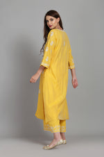 STRAIGHT TUNIC WITH FARSHI AND CRUSHED DUPATTA