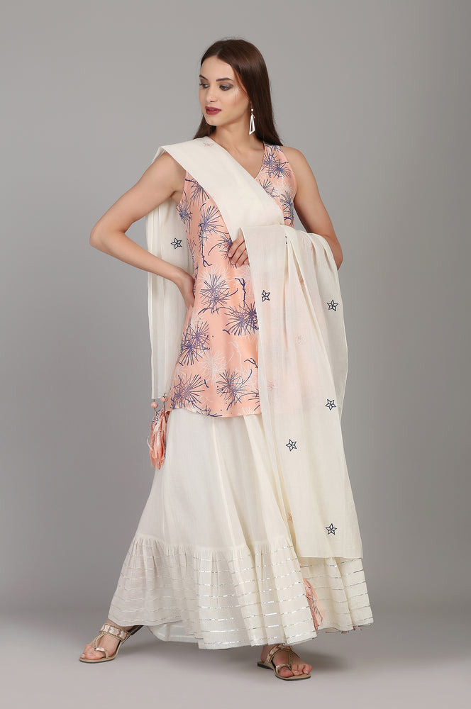 PRINTED SLEEVELESS TUNIC WITH IVORY GHARARA AND STOLE