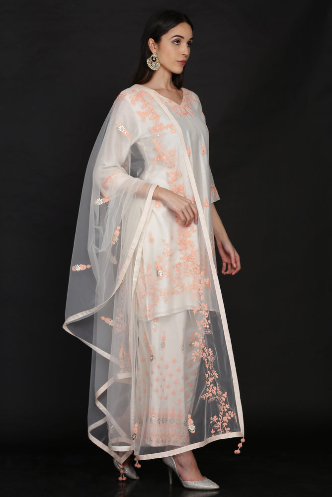 TUNIC WITH LOOSE PANTS AND DUPATTA