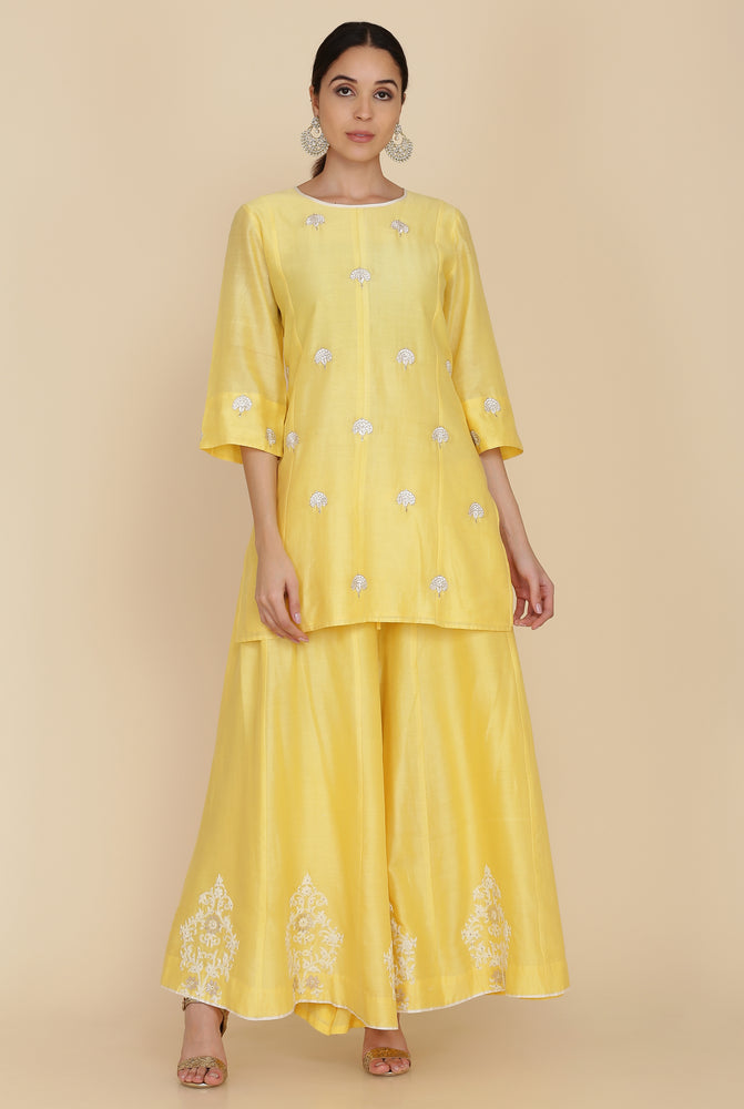 SHORT TUNIC WITH SHARARA AND DUPATTA