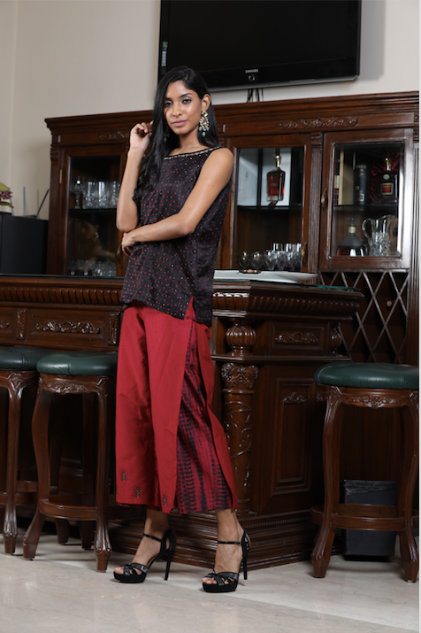Bandhej Sleeveless Tunic with Double Layer Farshi and Overlay