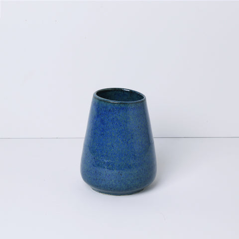 Tiny Vase, Petroleum