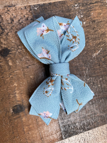 Vintage bow- blue flowers