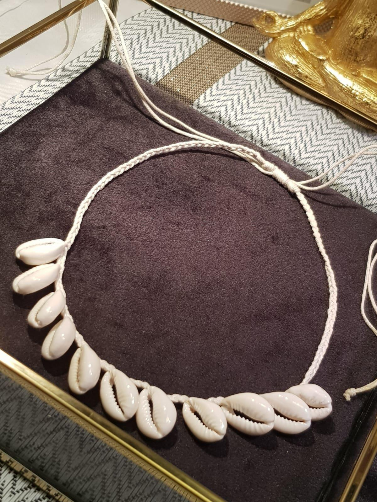 Kauri Shell Necklace White