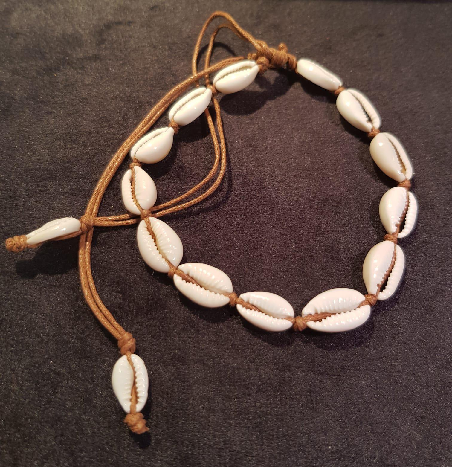 Kauri Shell Anklet Brown