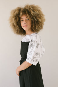 Tee in Black/White Floral Linen