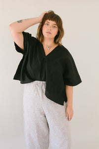 Perfect Square Top In Black Linen M/L