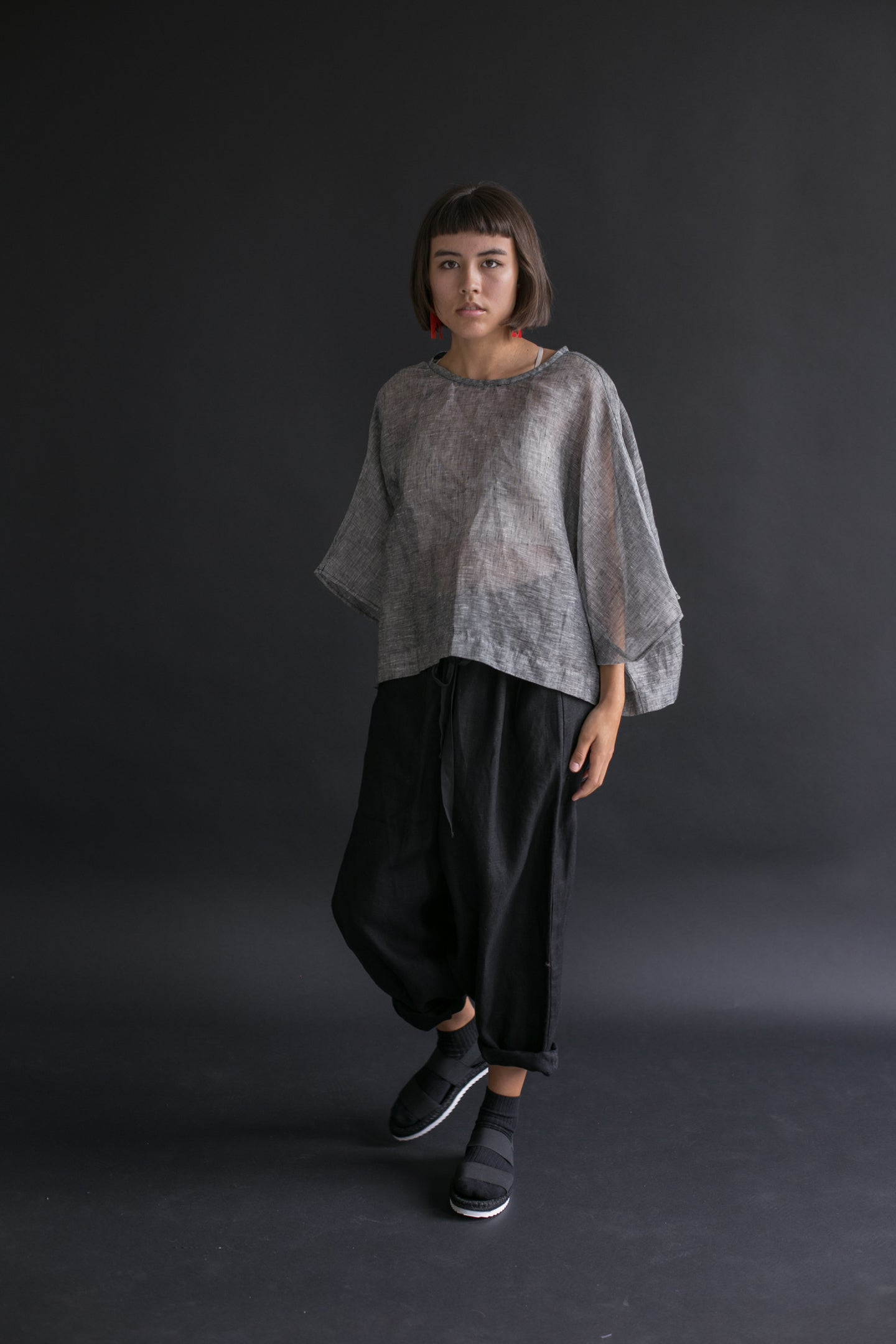 Super Wide Crop Top In Gunmetal Linen