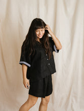 Farmers Shirt in Black Linen