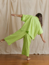 Mid Easy Pant in Limeade Linen