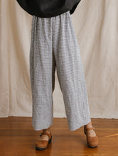 Easy Pant in Printed Gingham Linen