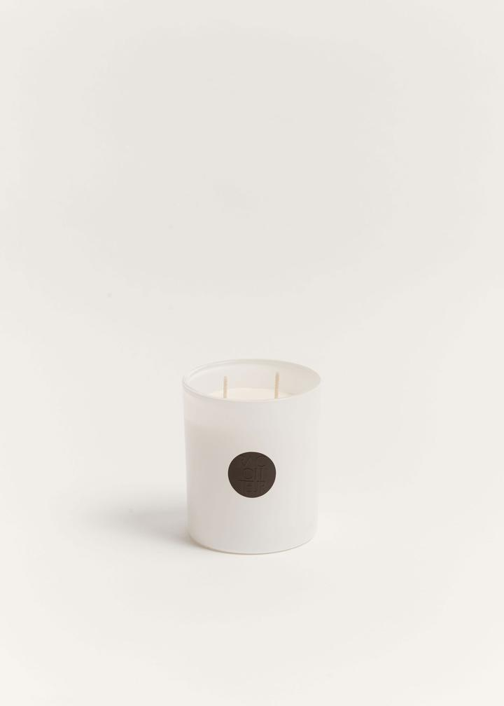 THE RACONTEUR Red Centre Candle | Deko International