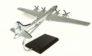 "Boeing B-29 Superfortress 'Lucky 'Leven"" Model Scale:1/72"