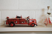 Load image into Gallery viewer, 1938 Red Fire Engine Ford 1:40