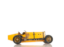 Load image into Gallery viewer, Alfa Romeo P2 Classic Racing Car Model
