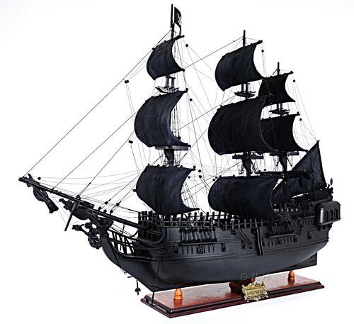 Black Pearl Pirate Ship Large With Floor Display Case