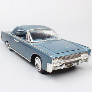 Children's 1:18 ford luxury vintage Deluxe 1961 LINCOLN CONTINENTAL Diecast Vehicle Scale Metal Car toy model souvenir miniature