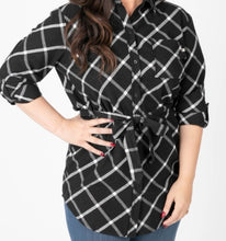Load image into Gallery viewer, Flannel Tunic Windowpane - Black/Ivory