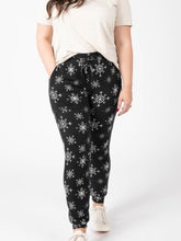 Load image into Gallery viewer, Joggers - Black w/ White Snowflakes