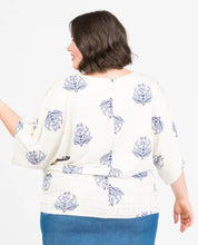 Load image into Gallery viewer, Dolman Tunic - Short Sleeve Flirtylee on Cream