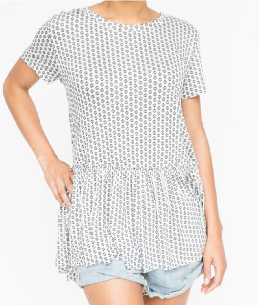 Relaxed Ruffle Tee - Diamond in the Rough